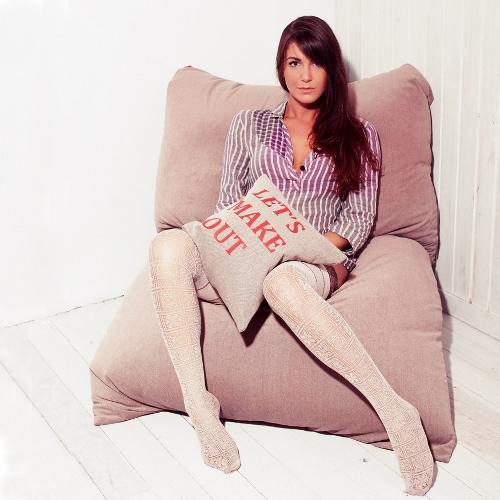 Бескаркасное кресло-подушка 1